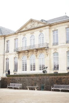 C and the city - A Sunday tip to Paris - if you already have been to Louvre, visit Musee Rodin! - read more on the blog: http://www.idealista.fi/charandthecity/2017/02/06/museo-rodin-pariisi