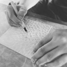 新しいタイルを考え中♪  彫刻刀でタイル生地を彫っています  .  make new products by handmade !  .  #タイル #タイル部 #タイルのある生活 #ハンドメイド #tile #tiles #handmade #sugy How To Make Tiles, Cards, Maps, Playing Cards