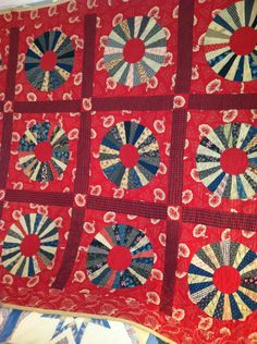 Vintage Hand Stitched Wagon Wheel Feedsack Red Quilt 1940's
