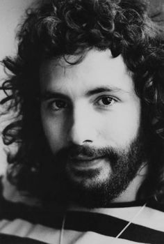 British singer, songwriter and musician Cat Stevens, later Yusuf Islam, pictured in London, May World Music, Music Is Life, My Music, Islamic Music, Leon Bridges, Linda Ronstadt, Cat Stevens, Soul Singers, Catio