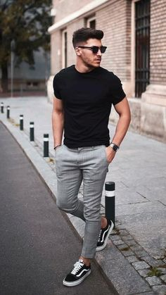 Mens Casual Dress Outfits, Summer Outfits Men, Stylish Mens Outfits, Casual Wear For Men, Mens Jeans Outfit, Trendy Mens Fashion, Look Fashion, All Black Mens Fashion, Men Summer Fashion