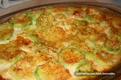 Sastojci 3 manje tikvice maslaca vrhnja 2 jajeta 1 češanj bije… – my site Albanian Recipes, Bosnian Recipes, Croatian Recipes, Low Carb Recipes, Diet Recipes, Vegetarian Recipes, Cooking Recipes, Vegetable Dishes, Vegetable Recipes
