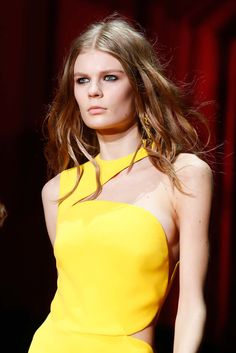 See detail photos for Versace Fall 2015 Ready-to-Wear collection.