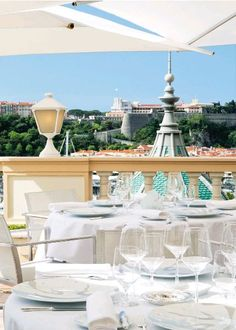 The beautiful terrace at Le Vistamar, open in the summer, where you can admire breathtaking views of the harbor and the famous Rock.