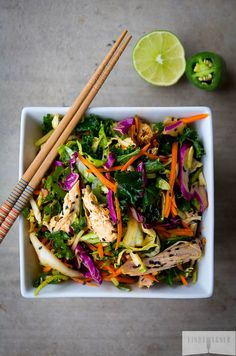 This 5 Min Spicy Asian Chicken Salad is AMAZING and so easy to make!!