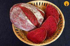 Pan de remolacha La remolacha aporta a este pan dos propiedades destacables; por un lado una miga que se mantiene con una estupenda humedad durante varios