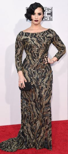 Demi Lovato Form-Fitting Dress - Demi Lovato flaunted her shapely figure in a body-con camo-patterned mesh gown by Lorena Sarbu at the American Music Awards. American Music Awards 2015, Demi Lovato Wilmer Valderrama, Demi Lovato Style, Beauty And Fashion, Mature Fashion, Old Hollywood Glam, Long Sleeve Gown, Glamour, Dita Von Teese