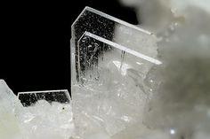 Yugawaralite, CaAl2Si6O16 . 4H2O    Locality: Italy