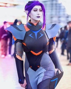 with an absolutely stunning Empire - Voltron better watch out, this Galra wife is coming for you😎🔫 It's nearly been a week since. Voltron Costume, Voltron Cosplay, Voltron Galra, Form Voltron, Cosplay Diy, Anime Cosplay, Cosplay Ideas, Allura, Cartoon Games