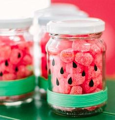 Watermelon Cake Layered in Mason Jars! Watermelon Cake Layered in Mason Jars! Easy Birthday Party Games, Watermelon Birthday Parties, Fruit Birthday, Fruit Party, Diy Party, Happy Birthday B, 1st Birthday Girls, Aloha Party, Party Decoration