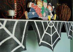 DIY Halloween : DIY Burlap Spider Web Garland