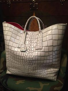 Louis Vuitton Monogram Empreinte Leather Pochette Metis Handbag Article: Made in France – The Fashion Mart Tote Handbags, Purses And Handbags, Leather Handbags, Big Tote Bags, Womens Designer Bags, Luxury Bags, Beautiful Bags, Bag Sale, Fashion Bags