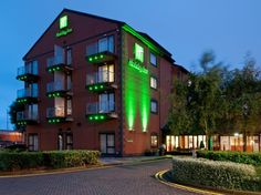 Hull Holiday Inn Hull Marina United Kingdom, Europe The 3-star Holiday Inn Hull Marina offers comfort and convenience whether you're on business or holiday in Hull. The hotel offers a wide range of amenities and perks to ensure you have a great time. Service-minded staff will welcome and guide you at the Holiday Inn Hull Marina. Internet access – wireless, non smoking rooms, air conditioning, heating, desk can be found in selected guestrooms. Enjoy the hotel's recreational fac...