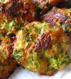 Recipe for Broccoli Cheese Bites - The kids eat broccoli happily if it's combined with cheese and shaped in little round balls!