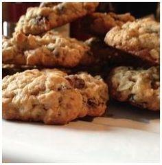 Love raisins? Here is a free Raisin Recipe Book compliments of Sunmaid!  http://womenfreebies.co.nz/general-freebies/souvenir-cali-raisin-recipes/