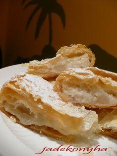 Jade konyhája: Körtés-rizses rétes háromszögek Apple Pie, Latte, Food, Essen, Meals, Yemek, Apple Pie Cake, Eten, Apple Pies