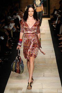 Diane von Furstenberg: primavara-vara 2010 Diane Von Furstenberg, Wrap Dress, Bodycon Dress, Pattern, Dresses, Fashion, Vestidos, Moda, Body Con
