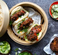 Notes of Bacon: Gua bao with spicy fried chicken Low Calorie Recipes, Healthy Recipes, Gua Bao, Spicy Fried Chicken, Chicken Buns, Braised Pork Belly, Steamed Buns, Asian Cooking, Asian Recipes