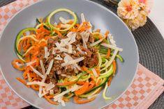 Low Carb Zucchini-und Möhren-Nudeln mit Bolognesesoße