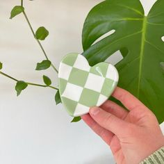 heart checkered trinket dish – florescence store Ceramic Clay, Ceramic Pottery, Pottery Art, Diy Clay, Clay Crafts, Color Me Mine, Clay Plates, Clay Art Projects, Plant Aesthetic
