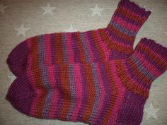 Jämälankasukat Gloves, Socks, Fashion, Stockings, Moda, Fashion Styles, Sock, Fashion Illustrations, Boot Socks