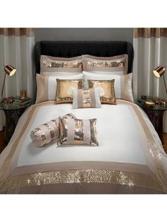 Product Description: For a truly dramatic look, transform your bedroom into a sensational space with this fabulous Capri duvet cover. The simple and crisp white Gold Bedroom Decor, Glam Bedroom, Shabby Chic Bedrooms, Bedroom Romantic, Rose Bedroom, Bedroom Ideas, Marble Bed Set, Marble Duvet Cover, Room Decor For Teen Girls