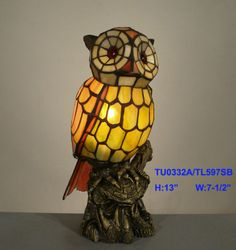 TIFFANY STAINED GLASS LEADLIGHT TAWNY OWL ACCENT LAMP.
