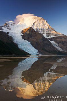 Google Image Result for http://www.cornforthimages.com/galleries/Landscape/Canada/Mt%2520Robson/Berg%2520Lake%2520Sunrise%2520Reflection%25202_Mount%2520Robson%2520Provincial%2520Park,%2520British%2520Columbia.jpg