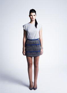La moda étnica es una perfecta mezcla perfecta de estampados, como es el de esta falda a la venta online.