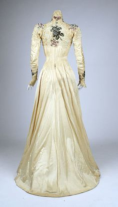 Dress (image 3) | American | 1900 | silk | Metropolitan Museum of Art | Accession Number: 1979.346.207