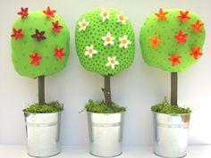 Pinnwand mit 7 Pinnblumen von Holzimpressionen auf DaWanda.com