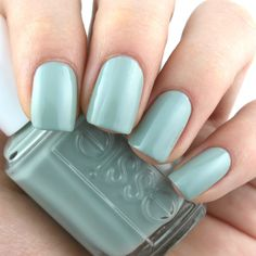 """Essie Spring 2018 Collection in """"Bon Boy-age"""": Review and Swatches"""