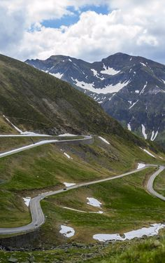 With stunning mountain scenery and breathtaking lakes, it's no wonder the Transfagarasan was named the best road in the world. Beautiful Roads, Beautiful Places In The World, Beautiful Places To Visit, Places Around The World, Travel Tours, Shopping Travel, Budget Travel, Romania Travel, Royal Caribbean Cruise