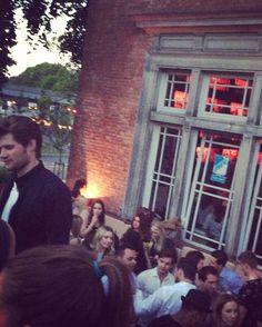 Donnerstag ist #AfterWork Tag, z.B. hier in der @sands_bar. #Hamburg #welovehamburg #party