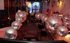 Confira os detalhes da festa da Claudia, inspirada em O Fantasma da Ópera - 15 anos - CAPRICHO