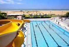 Villaggio Turistico Internazionale  Breed zandstrand 2 zwembaden Glijbaan Loopafstand van Bibione Geluidsdichte discotheek Daguitstapjes naar Venetià mogelijk  EUR 365.00  Meer informatie  #vakantie http://vakantienaar.eu - http://facebook.com/vakantienaar.eu - https://start.me/p/VRobeo/vakantie-pagina