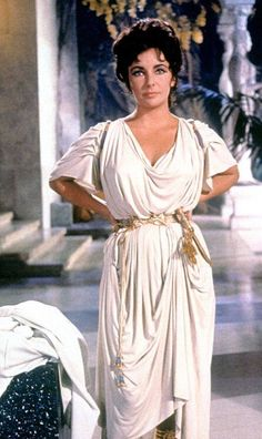 HOLLYWOOD WOMEN - ELIZABETH TAYLOR - Cleopatra / pinewood