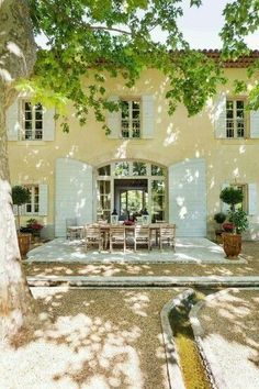 ideas house exterior french country provence france for 2020 French Country Cottage, French Countryside, French Country Style, French Farmhouse, French Country Decorating, Country Charm, Country Farmhouse, Country Houses, Farmhouse Windows