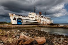 Abandoned Ships | Abandoned Ship Photograph