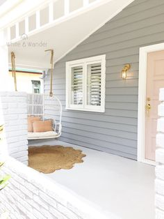 Close the front door! That colour is just perfect! Close the front door! That colour is just perfect! Grey Exterior, House Paint Exterior, Exterior House Colors, Interior And Exterior, Grey Siding, Nordic Interior, Home Renovation, Home Remodeling, Weatherboard House