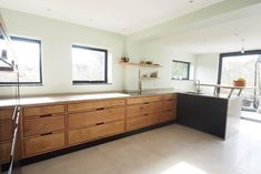 Heart oak finger jointed handleless kitchen with matching sapele black stained veneer. Kitchen Cabinet Drawers, Oak Kitchen Cabinets, Accent Cabinets, Plywood Cabinets, Plywood Kitchen, Kitchen Furniture, Open Plan Kitchen, Kitchen Ideas, Kitchen Inspiration