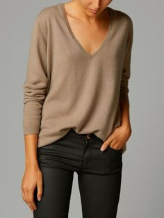 Wait Out Winter in These Super-Cozy Cashmere Finds - Work Outfits Women Style Casual, Work Casual, Casual Chic, My Style, Casual Looks, Fashion Mode, Look Fashion, Fashion Outfits, Womens Fashion