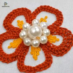 Hand Embroidery Patterns Flowers, Hand Embroidery Videos, Embroidery Stitches Tutorial, Embroidery Flowers Pattern, Hand Embroidery Designs, Creative Embroidery, Simple Embroidery, Learn Embroidery, Ribbon Embroidery