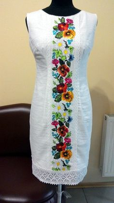 New embroidery mexican skirts 32 ideas Linen Dresses, Cotton Dresses, Casual Dresses, Fashion Dresses, Summer Dresses, Embroidery Fashion, Embroidery Dress, Mexican Skirts, Hand Painted Dress
