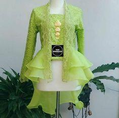 Ideas Fashion African Traditional Wedding Dresses For 2019 African Traditional Wedding Dress, Myanmar Traditional Dress, Traditional Dresses, Batik Fashion, Hijab Fashion, Fashion Dresses, Kebaya Peplum, Kebaya Lace, Kebaya Modern Dress