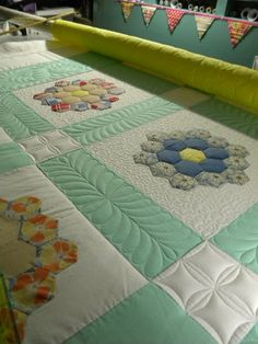 Sew Kind Of Wonderful: great grandmother's flower garden quilting idea