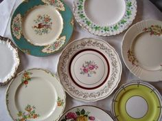 Vintage china dinner plate of any design. Working on a mix and match collection. Must be 10 inches in diameter or more!