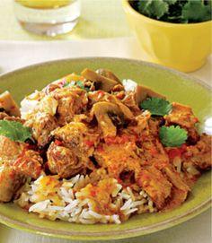 Thaise gele curry met varkensvlees en shii take.
