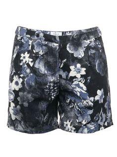 d17209ba90c Tmavě modré šortky Fount s květinovým potiskem 1