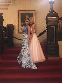 best friend prom picture - Hairstyles For All Homecoming Pictures, Prom Pictures Couples, Prom Couples, Prom Photos, Dance Pictures, Prom Pics, Couple Pictures, Creative Prom Pictures, Bff Pics